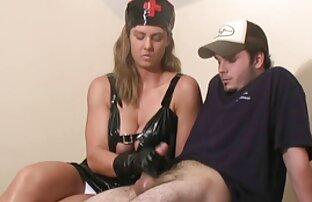 Színésznő Sarah key méri tinipinak a fehérneműt, majd a szeretője egy kalap a hálószobában