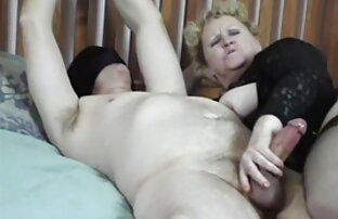Gyönyörű cigany porno video lány a stúdióban