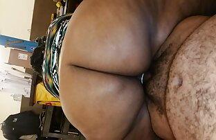 Szexi lány járkál a városban jelmezben sex és pornó filmek