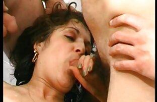 A lány cigany porno video gyönyörű mellei olaj szórakoztató masszőr