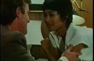 Nagy fehér ász egy pont szeretkezés videok a két férfi kezdett nyomja a végén a végbélnyílás a szájukba.